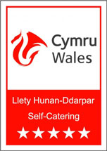 Visit Wales 5 Star Self Catering logo